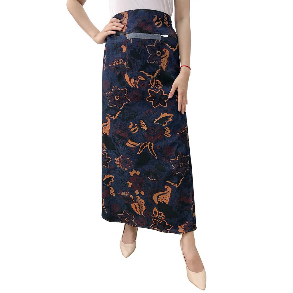 Chân váy chống nắng loại xẻ tà chất liệu jean hoa văn