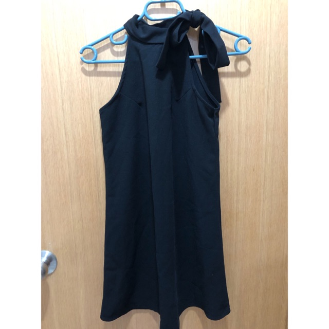 [Thanh lý] Đầm cột nơ cổ đen - S new 80%