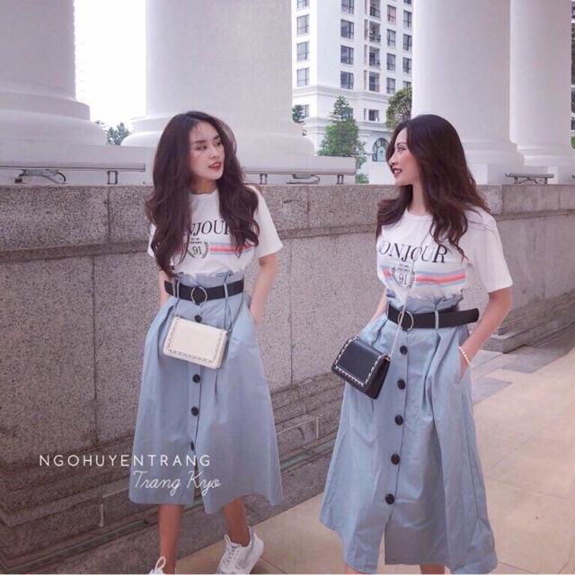 Set bonjour Set gồm áo thun in + chân váy dài nút
