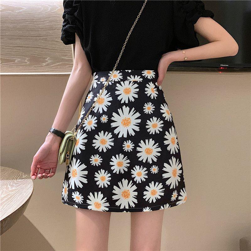 Chân váy chữ a lưng cao họa tiết hoa cúc xinh xắn thời trang cho nữ