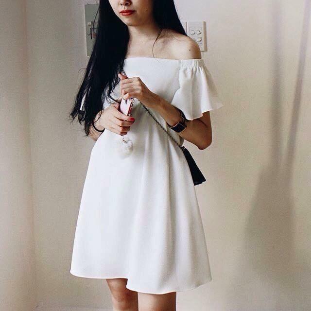 Đầm trắng trễ vai bo tay