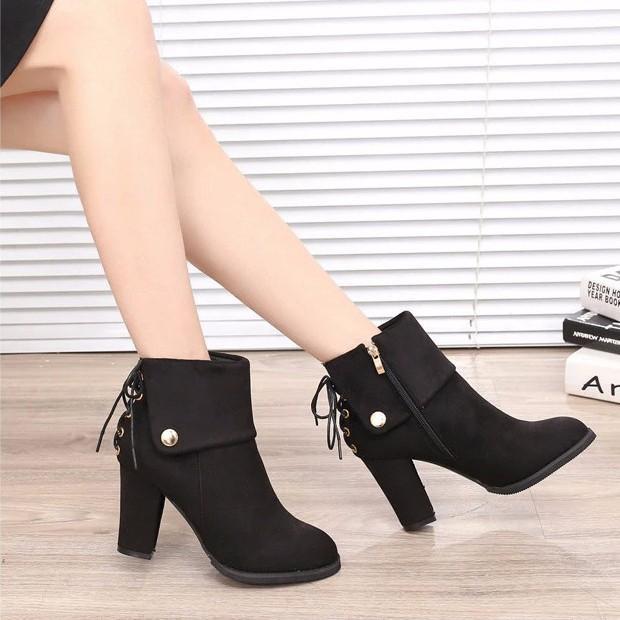 Giày boot nữ cá tính B081D