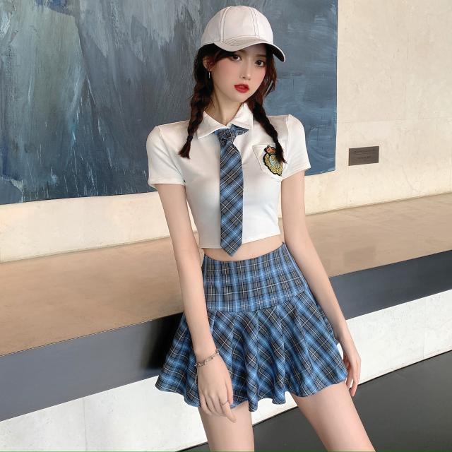 Bộ Áo Ngắn Tay + Chân Váy Ca Rô Xinh Xắn Dành Cho Nữ