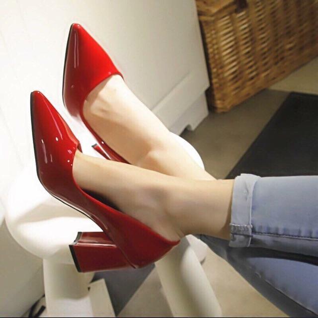 Giày 9 phân mũi nhọn