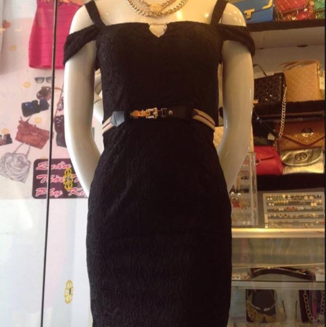 Đầm ren đen form ôm