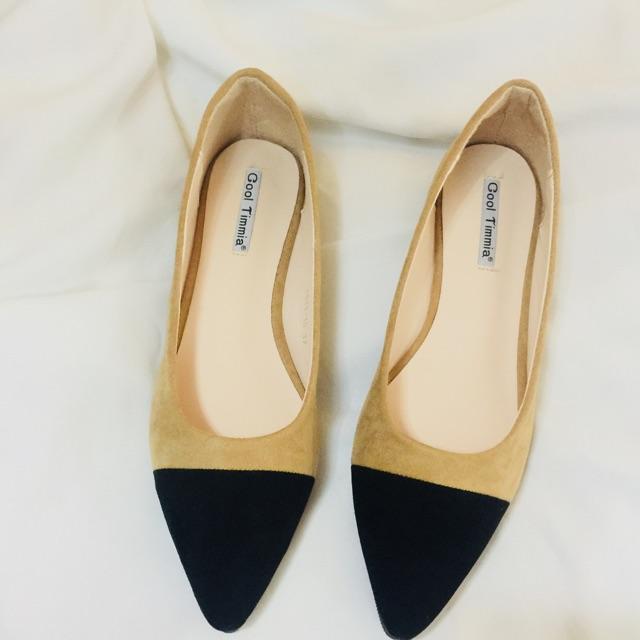 Em giày búp bê này làm chân mình dài thon trông thấy , hội tun đầy đủ vẻ đẹp . Nhanh rinh ngay em nó về đi nhé các c ơi.