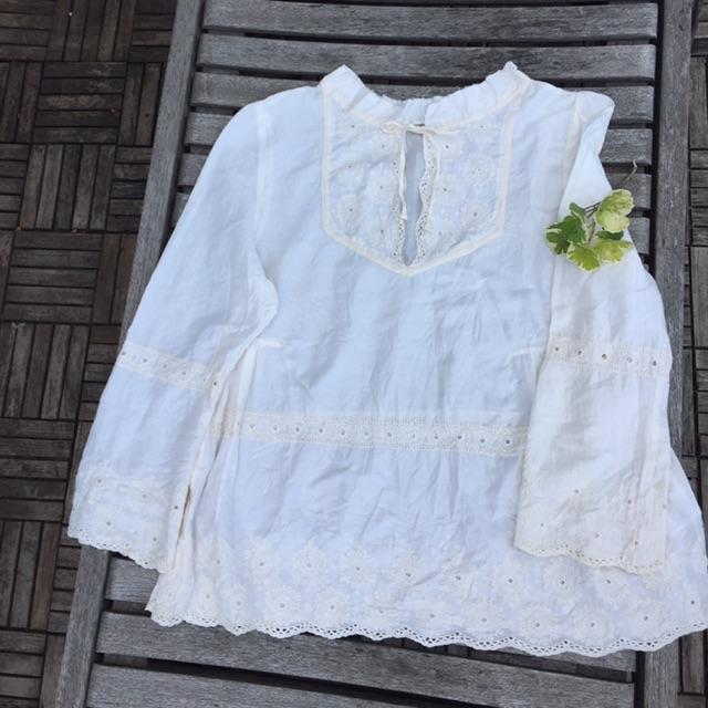 Áo blouse xô thêu Nhật sale off