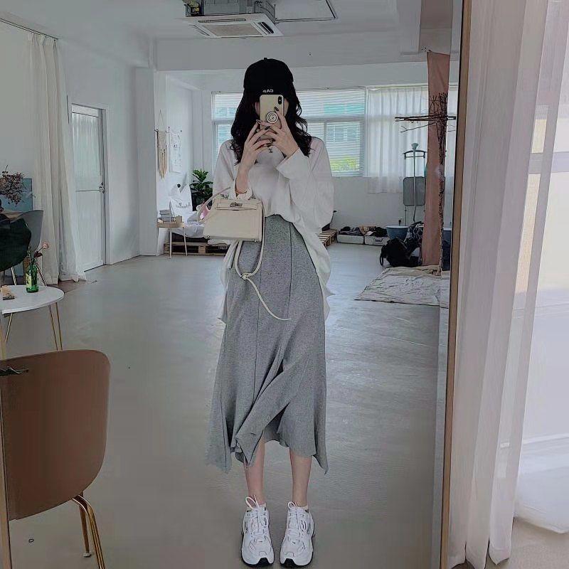 Set Áo Thun Form Rộng Và Chân Váy Đuôi Cá Thời Trang Cho Nữ