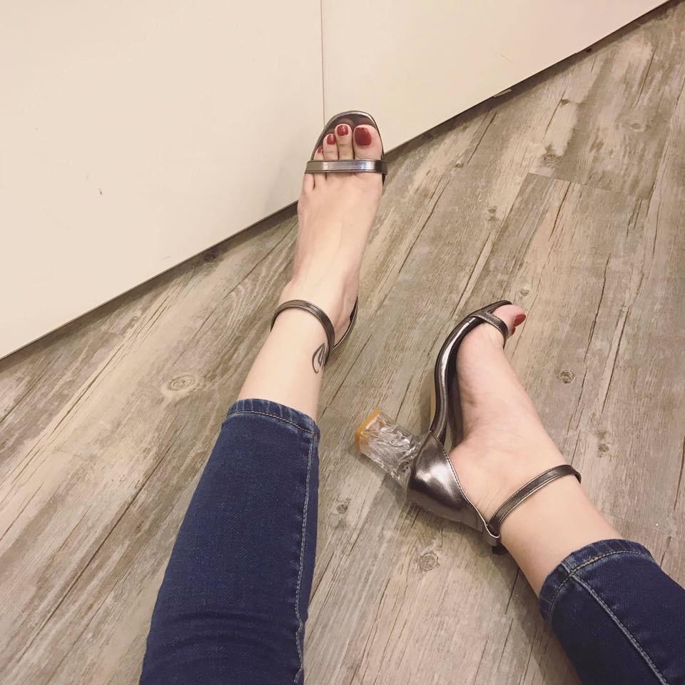 Sale off nhân ngày 20/11 Giày cao gót 7 phân 2 màu đen, xám bạc
