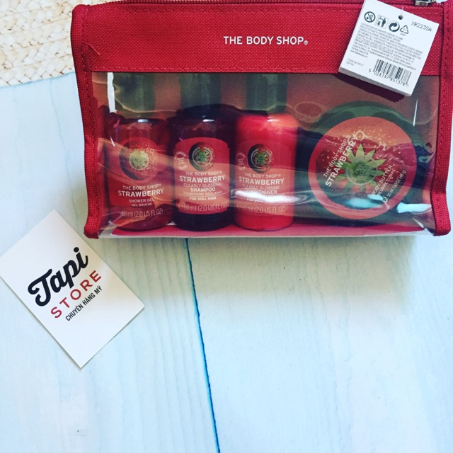 Set dưỡng thể The Body Shop Strawberry Beauty Bag