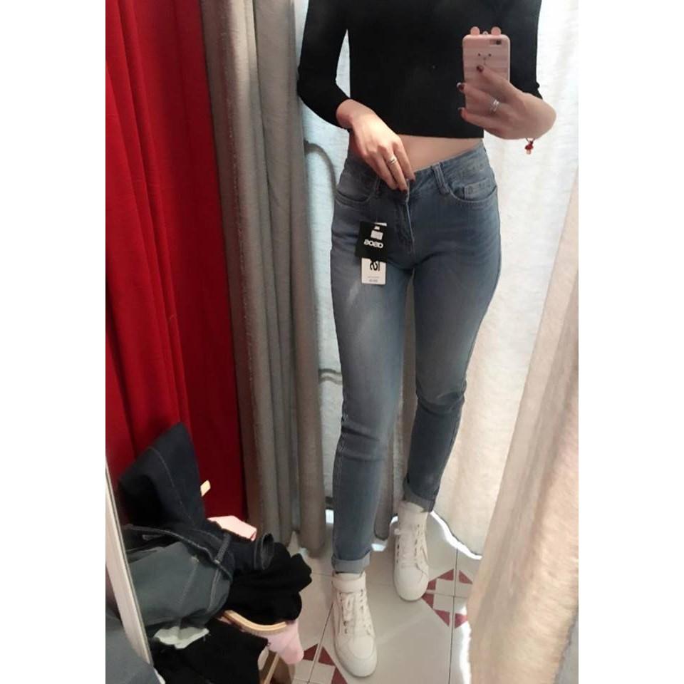 Combo quần jean + áo len cúc ngọc trai tặng áo thun