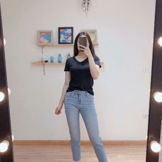 Quần jeans boy xẻ tua gấu