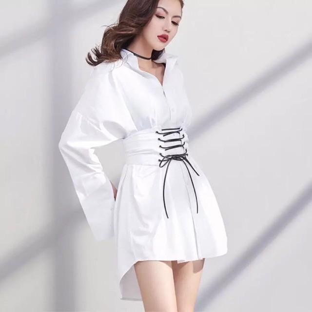 (ORDER) sẵn S- Áo sơ mi trắng dáng dấu quần kèm thắt eo rời đan dây đen cá tính hàng thiết kế 2019