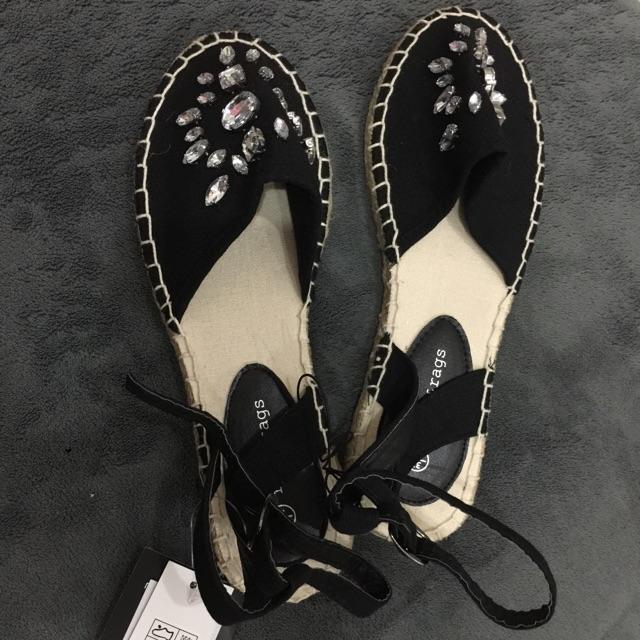 Giày sandal đính hạt, size 37