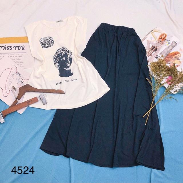 Set áo thun hình phối chân váy xẻ đùi 4524