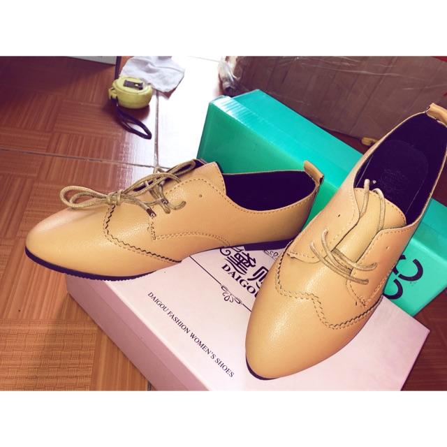 Giày nữ đế thấp