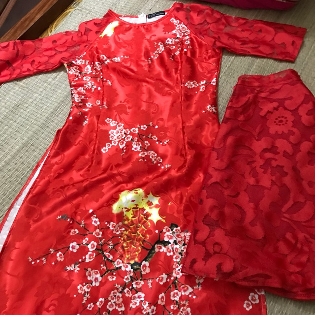 Áo dài cách tân đỏ mặc tết, đi lễ chụp hình