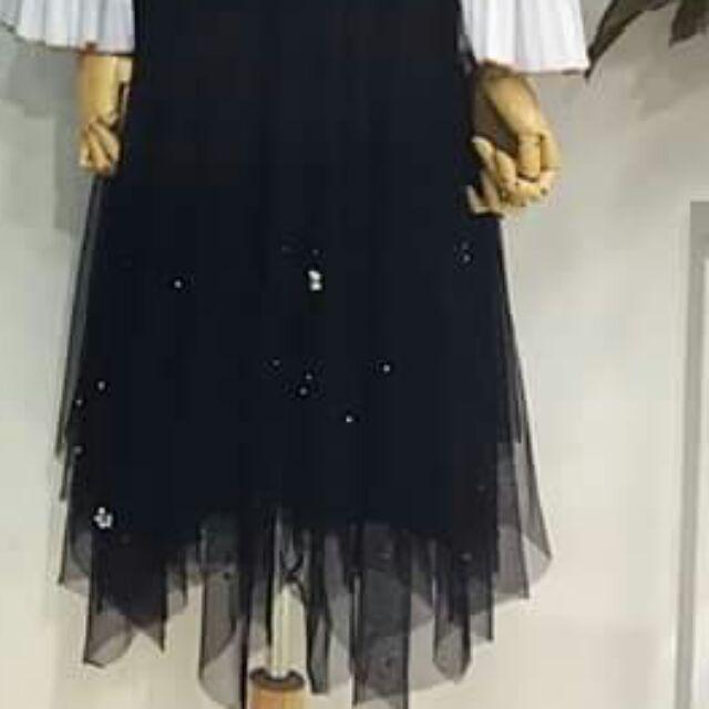 Chân váy ren đính hạttt xòe