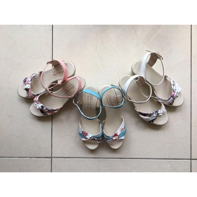 Freeship 99k TQ_Giày sandal hoa dùng cho mùa mưa