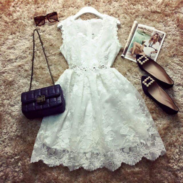đầm trắng ren eo