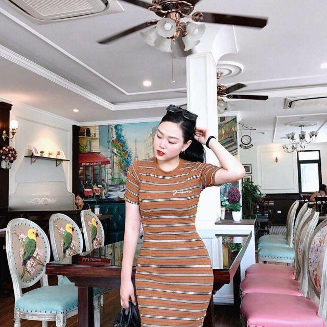 Váy Body Len Tăm Thêu Chữ C112