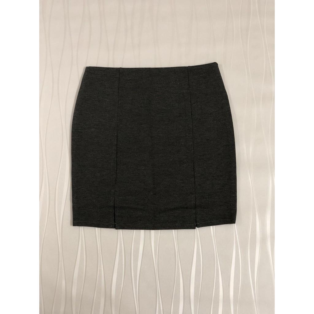 Chân váy bút chì, co giãn, màu xám đậm, xẻ 2 bên, chiết ly sau CV536