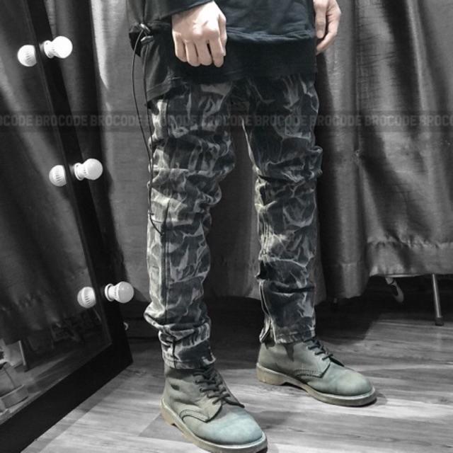 Quần jeans loang phối zip