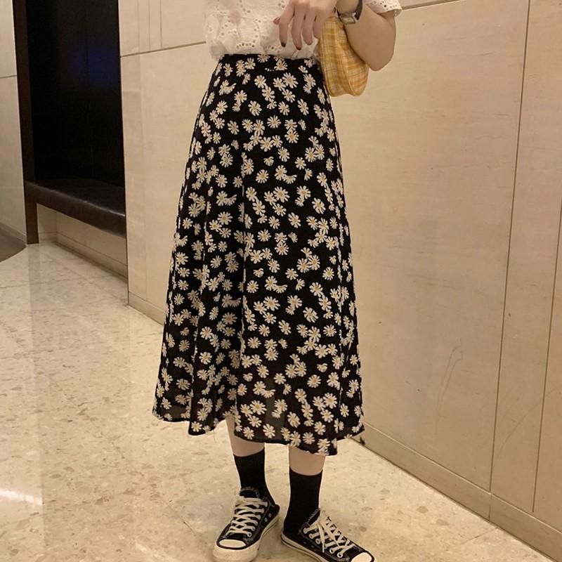 [Mã FSS24APR5 10%][Order] Set Áo Ren + Chân Váy Midi Hoa Cúc