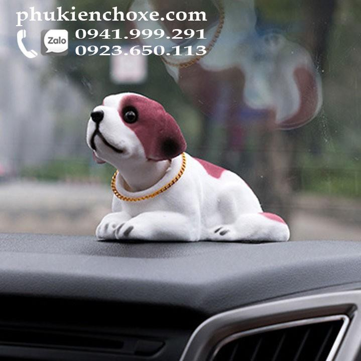 Chó lắc lư trên xe hơi - chó Bernard có ảnh thật