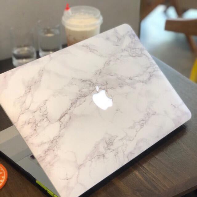 Ốp Macbook hình Vân Đá Trắng ( tặng phủ phím ngẫu nhiên + nút chống bụi )