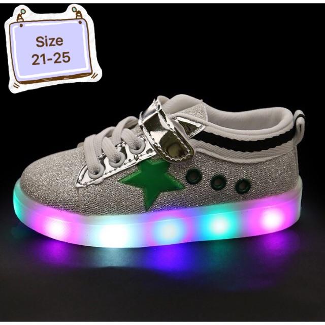 Giày thể thao có đèn nháy c