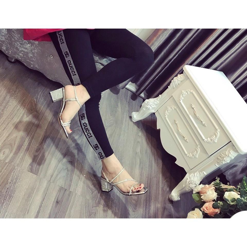 Giày sandal đính đá thời trang