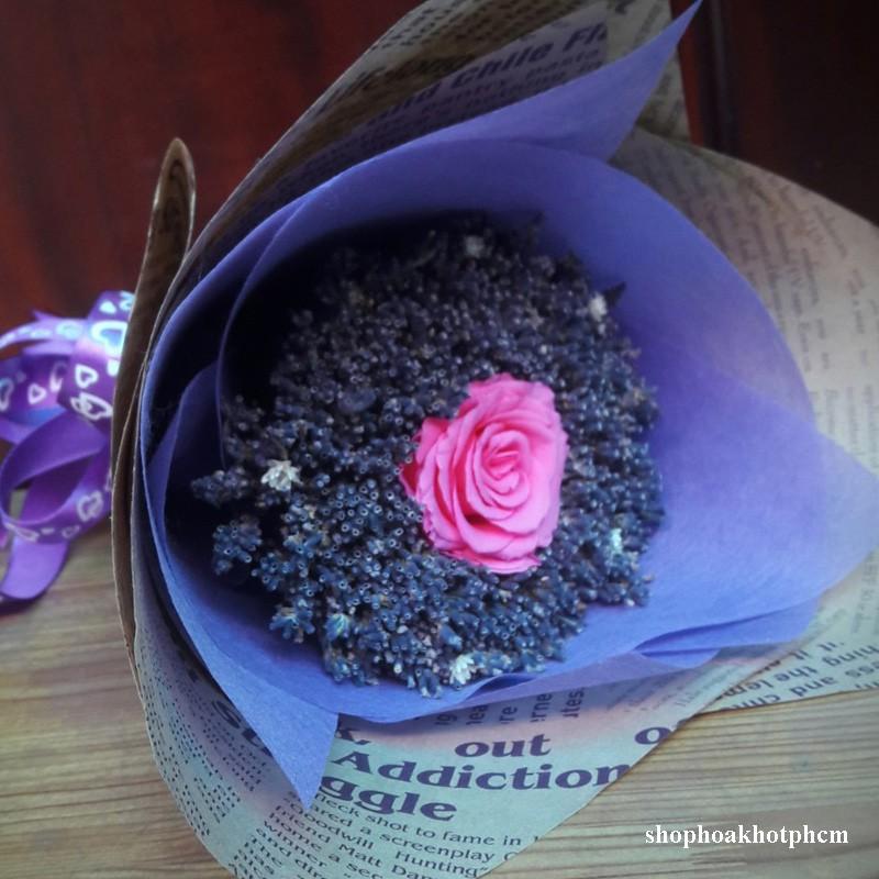 Bó hoa lavender khô hoa hồng