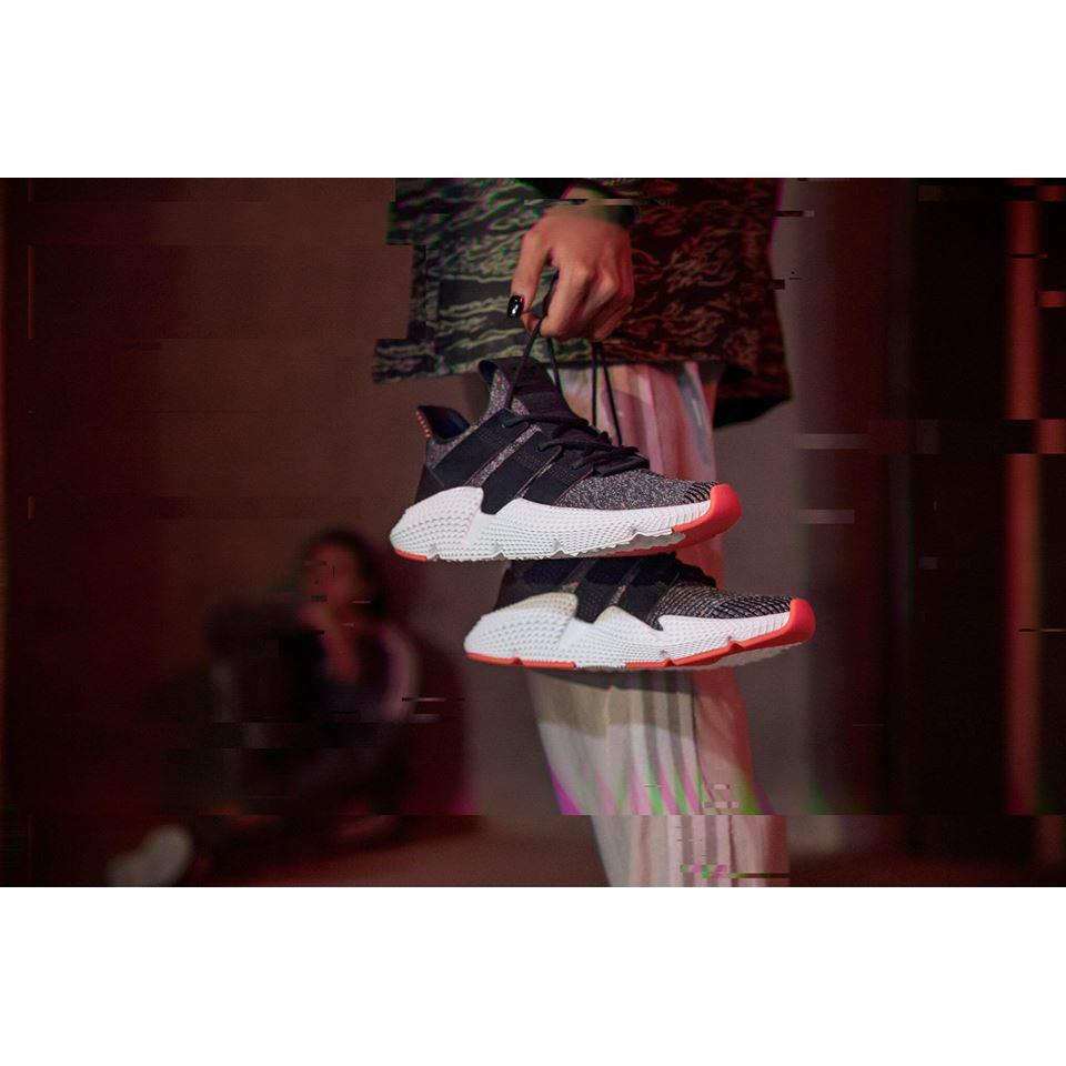 Giày Prophere đen cam