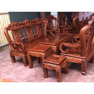 bàn ghế gỗ tự nhiên .