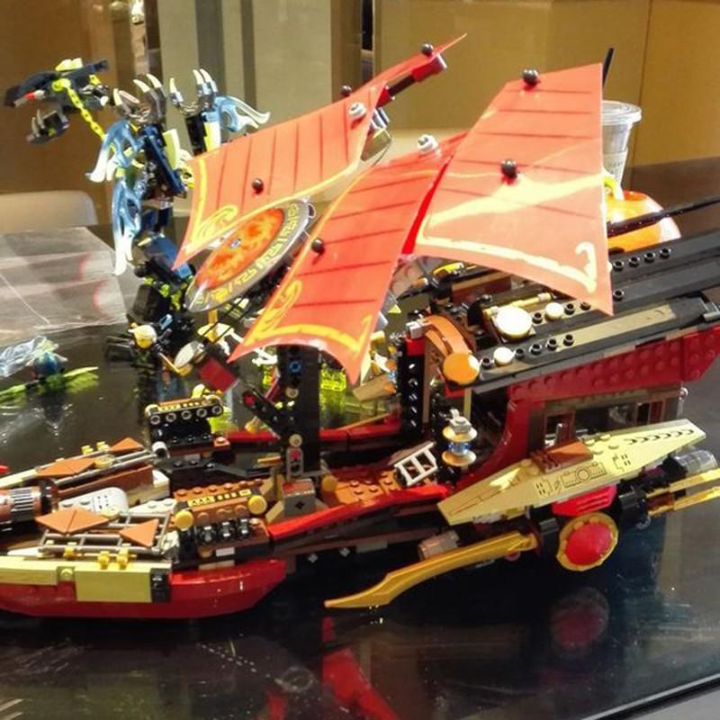 """[Mã TOYDEC hoàn 20K xu đơn 50K] """"CÓ SẴN"""" Bộ Xếp Hình Siêu Thuyền Rồng Chiến Hạm Queen 89008"""