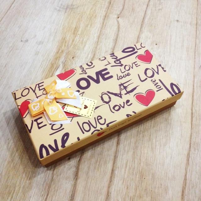Hộp đựng socola 18 viên love - 10003872 , 761386276 , 322_761386276 , 27000 , Hop-dung-socola-18-vien-love-322_761386276 , shopee.vn , Hộp đựng socola 18 viên love