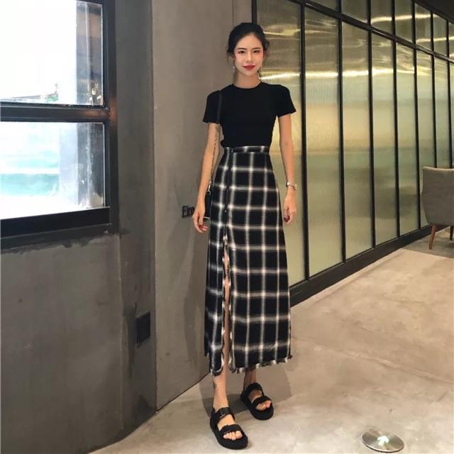 SALE Set áo thun đen + chân váy xẻ