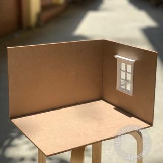 Khung nhà bằng gỗ – Roombox gỗ kèm cửa sổ cho dollhouse