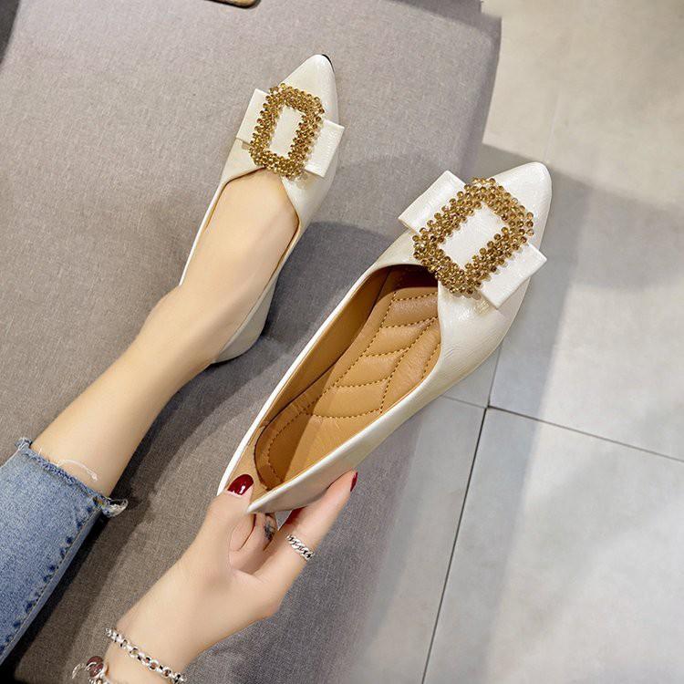 【จัดส่งฟรี】ูร้อนใหม่รองเท้าผู้หญิงขนาดใหญ่โบว์ rhinestone ปากตื้นชี้รองเท้าแบนแบน