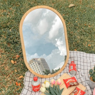 Gương bầu dục, để bàn, treo tường, chụp ngoại cảnh.