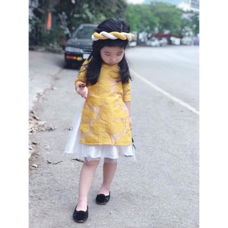 Áo dài cách tân hoa hồng nổi bé gái chỉ còn màu vàng