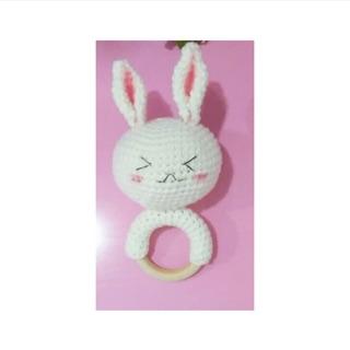 Lục lạc thỏ bằng len