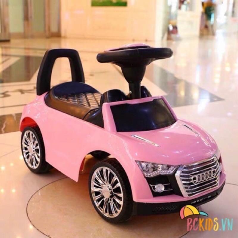 Xe chòi chân ô tô Audi, có còi, nhạc, cốp đựng đồ. Xe vận động dành cho bé từ 1-4 tuổi
