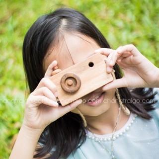 Đồ chơi chỗ cho bé – Máy ảnh chất liệu gỗ tự nhiên an toàn cho bé CHÀNG TRAI GỖ