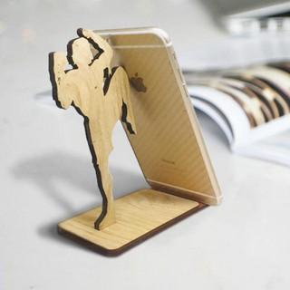 Kê điện thoại ipad máy tính HTT độc đáo