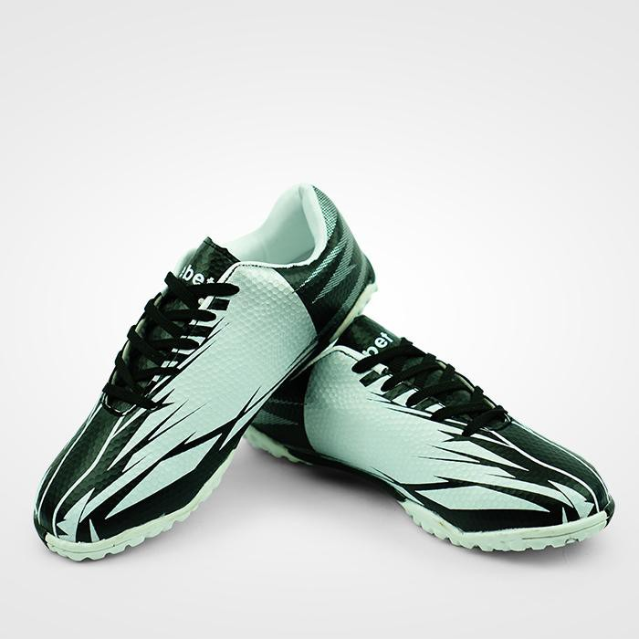 Giày đá bóng EBET EB201 - Trắng