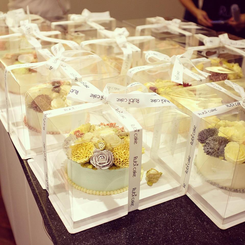 Hộp mica trong đựng bánh kem bơ, búp bê - 2459173 , 75488732 , 322_75488732 , 32000 , Hop-mica-trong-dung-banh-kem-bo-bup-be-322_75488732 , shopee.vn , Hộp mica trong đựng bánh kem bơ, búp bê