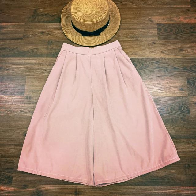 Quần váy hồng phấn