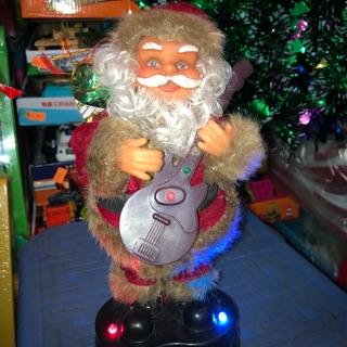 Ông già Noel chơi đàn